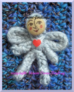 spool-knitted-tiny-angel-cloth-button-1000