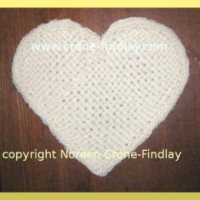 Video tutorial on how to weave a heart shape motif on the Martha Stewart Loom