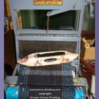 Weaving a vest on my Structo loom