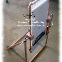 Copper pipe stand for copper pipe tapestry loom