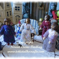How to weave doll dresses on pin looms