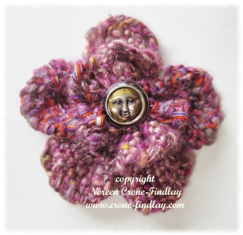Thumbelina loom woven flower
