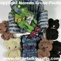 Easy to knit comfort or pocket teddy bears