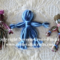 How to Make Very Simple Yarn Dolls